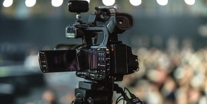 mixed media content marketing strategy-1